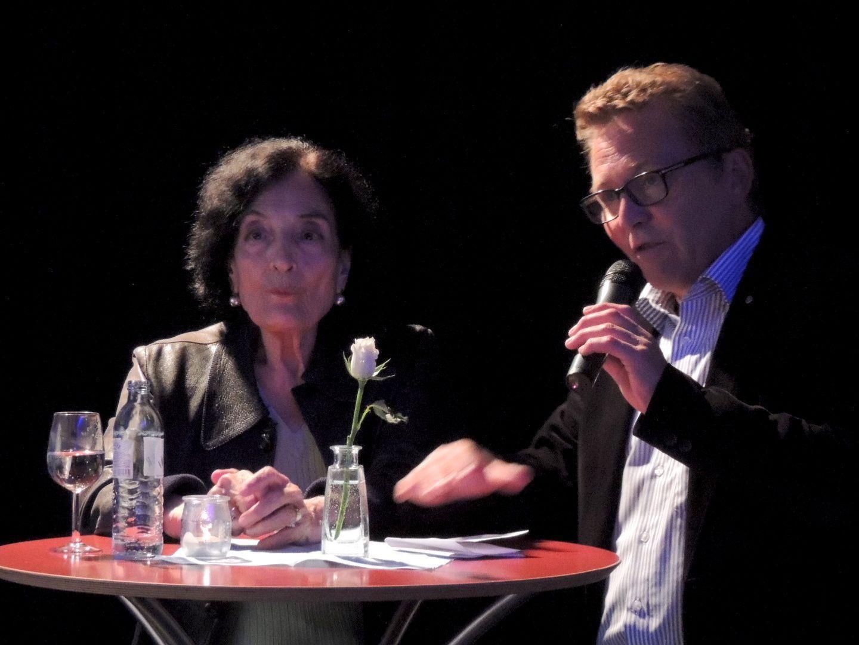 Mariella Scherling-Elia mit Vernissageredner Augustin Jagg