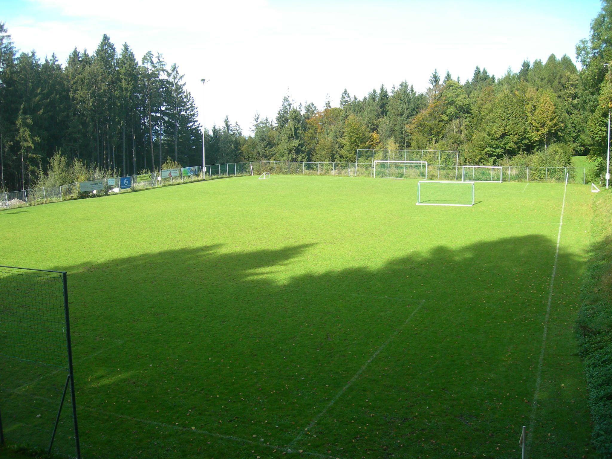 Der Fußballplatz in Übersaxen soll vergrößert werden.