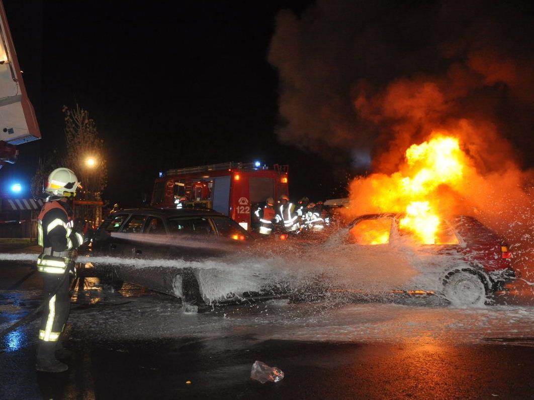 Die Feuerwehr Koblach absolvierte eine spektakuläre Herbstübung und zeigte dabei ganze Schlagkraft.
