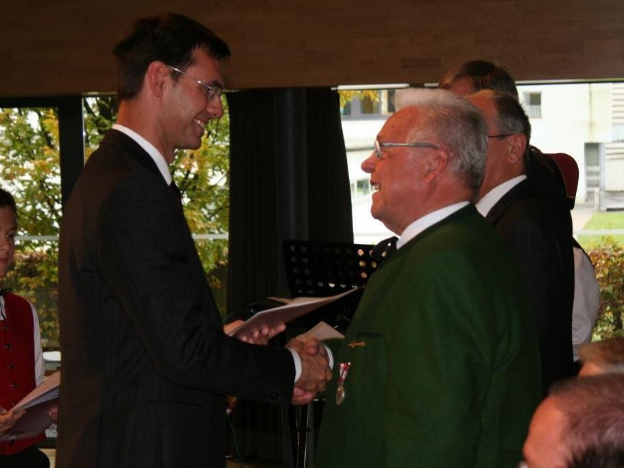 Landeshauptmann Markus Wallner übergab die Urkunden