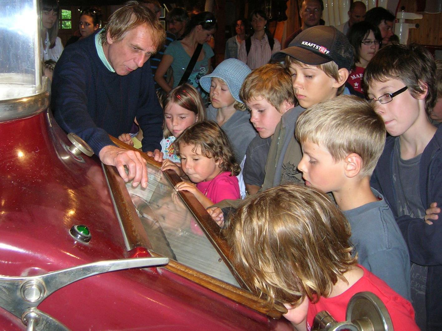 In Stoffels Säge-Mühle erfahren die Kinder auch einiges über die unheimlichen Mühlenbewohner.