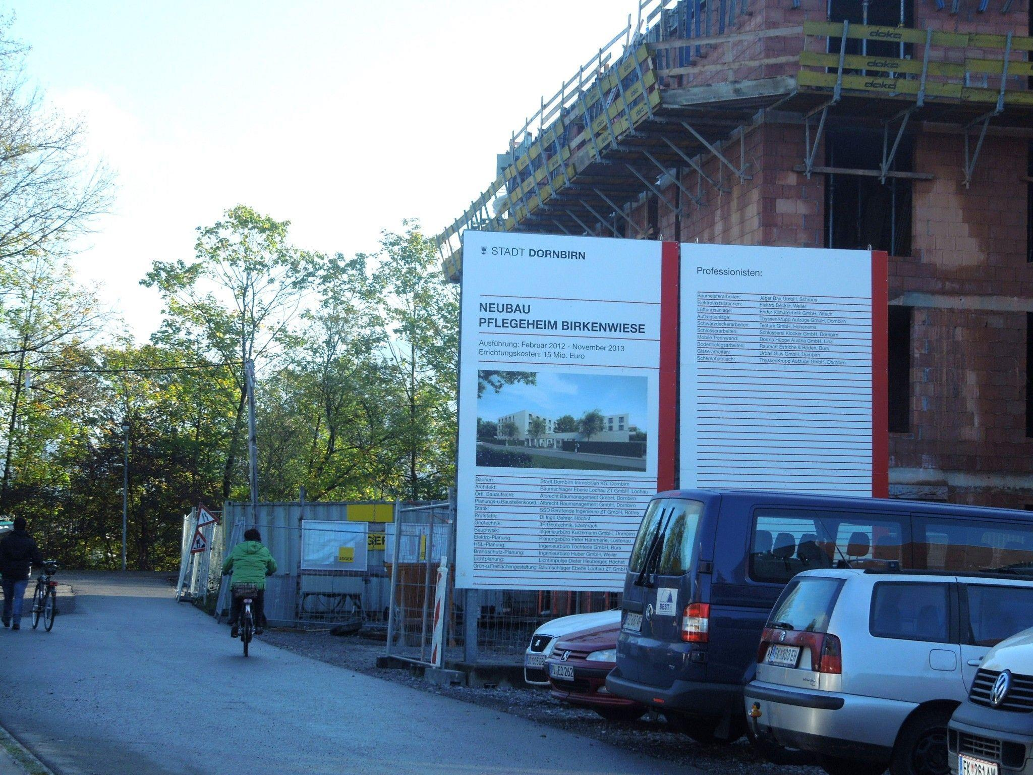 Alexander Götze kann nicht verstehen, dass auch ausländische Baufirmen beim Pflegeheimneubau tätig sind.