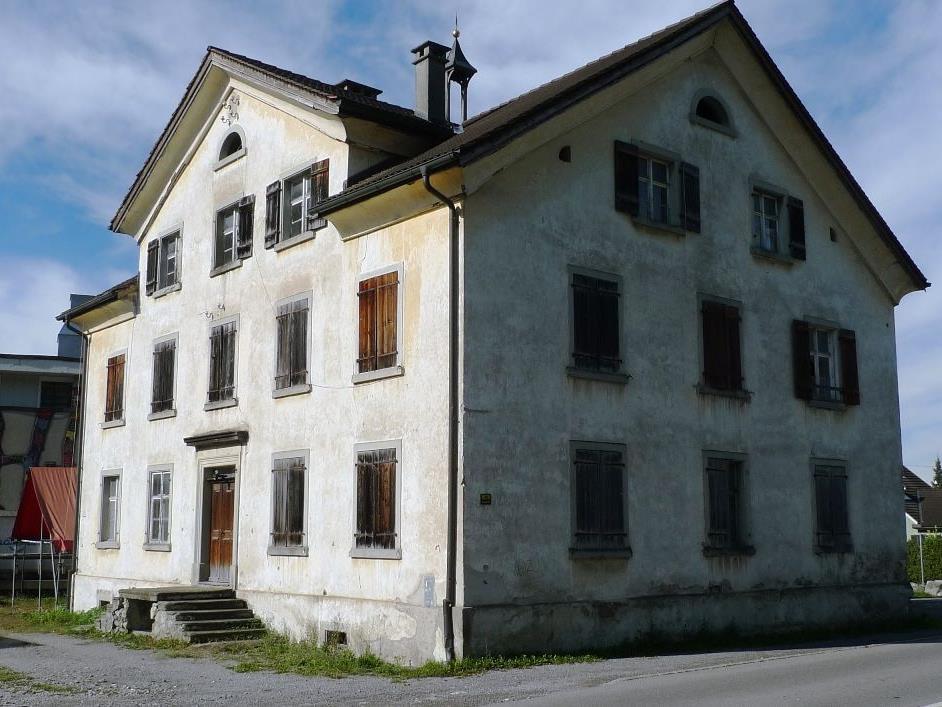 Im ehemaligen Armenhaus in Muntlix könnten sechs Wohnungen entstehen.
