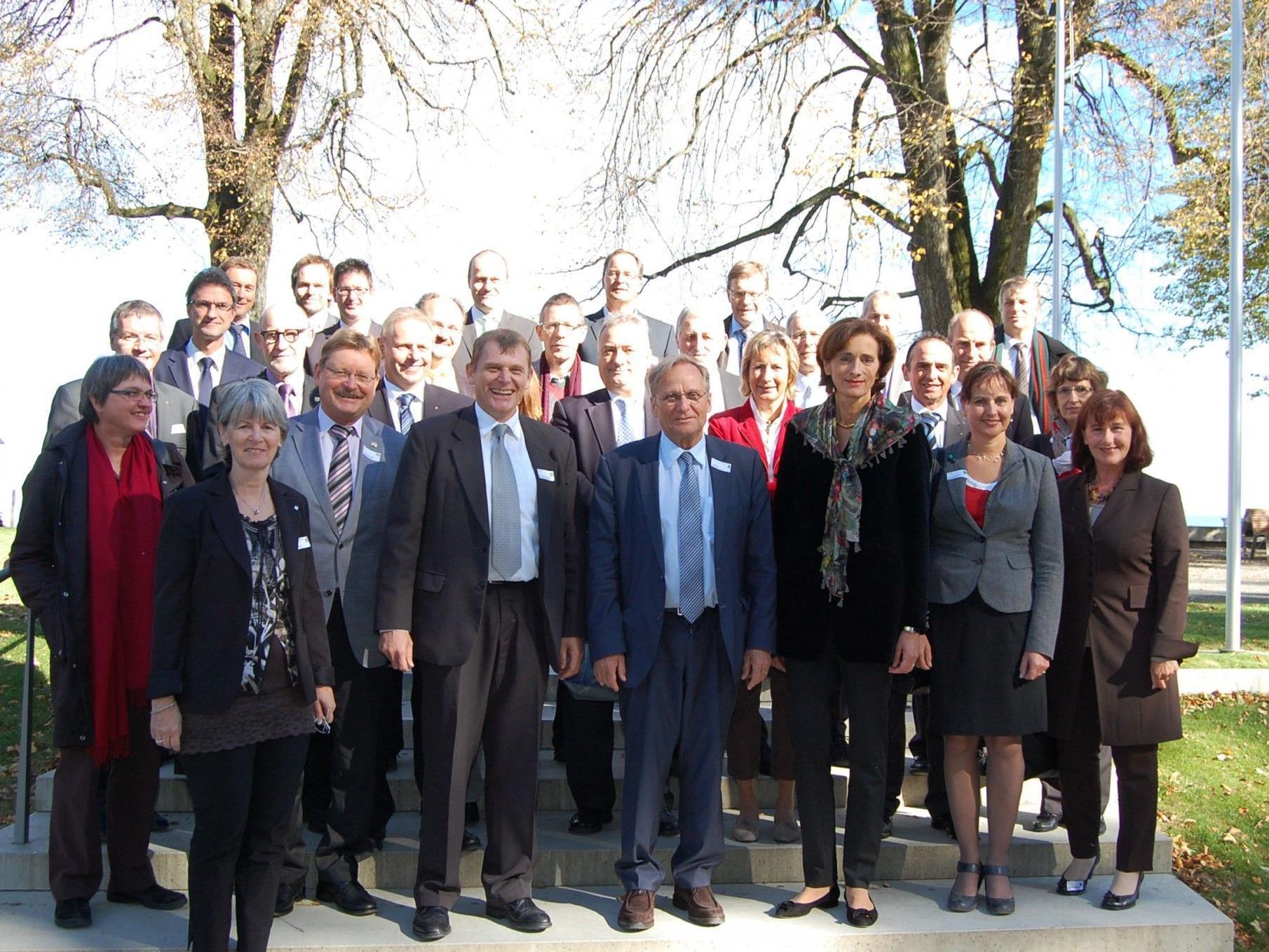 """""""Familienbild"""" der Bodensee Parlamentarier-Konferenz."""