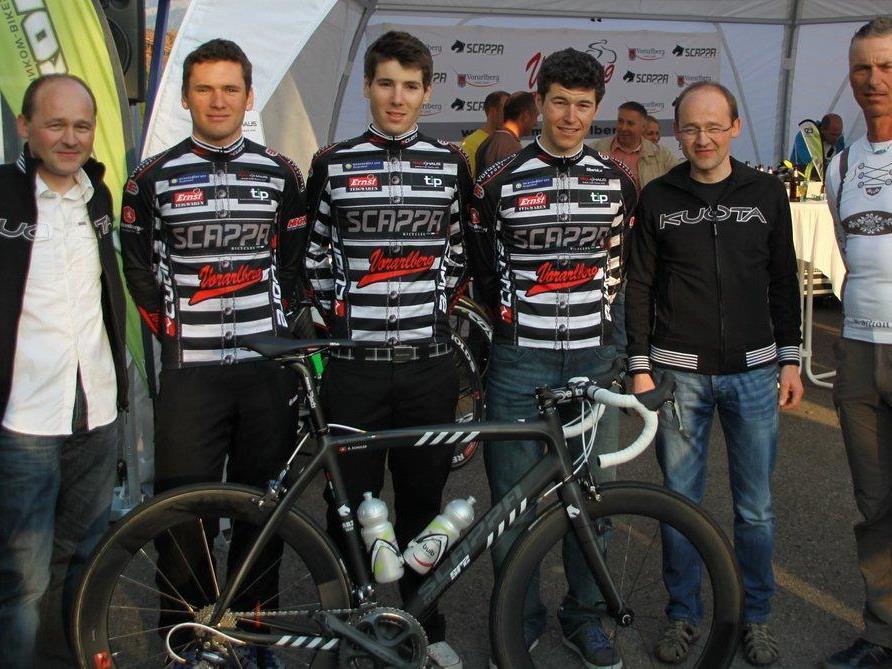 Das Team Vorarlberg mit den Ländle-Athleten und Manager Tom Kofler freut sich auf euren Besuch.