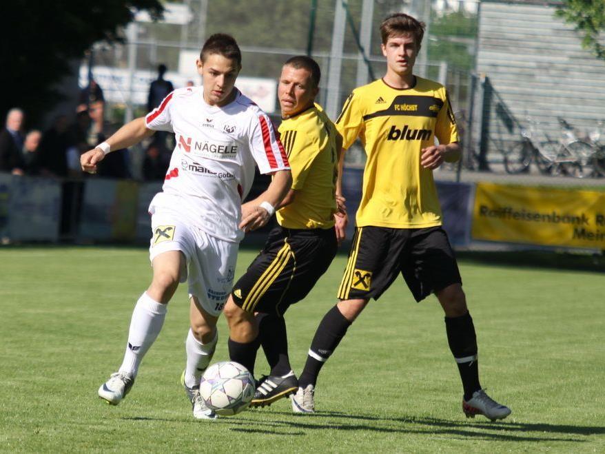 Simon Pirker spielt gegen Meiningen wieder von Beginn an und soll die Defensive stärken.