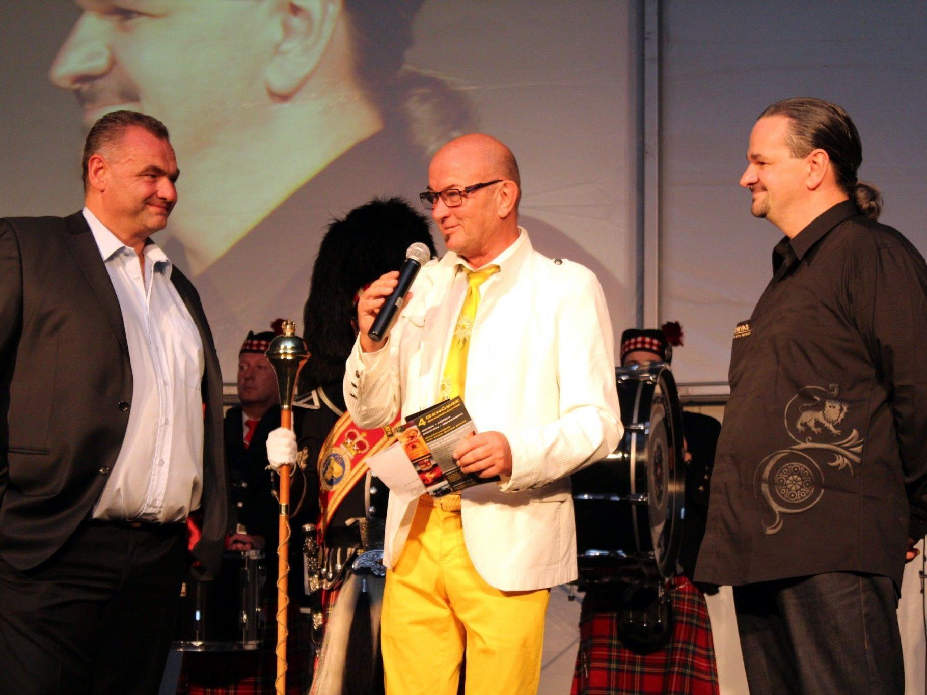 Heinz Wendel mit den Organisatoren Thomas Rohner (li.) und Christoph Sögner.