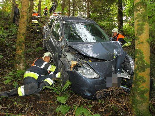 Gegen Baum geprallt: Übersaxner Lenker blieb unverletzt.