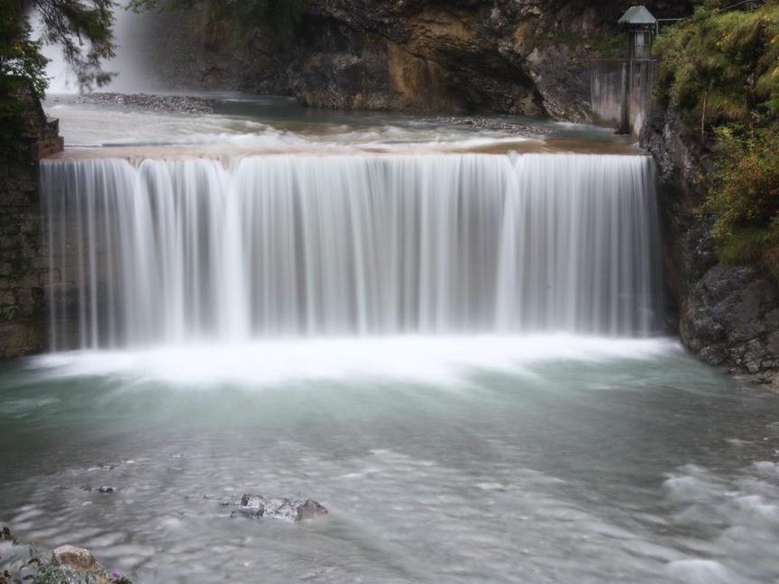 Wasserschauspiel beim Roten Tor im Rankweiler Oberdorf übertrifft alle Erwartungen.