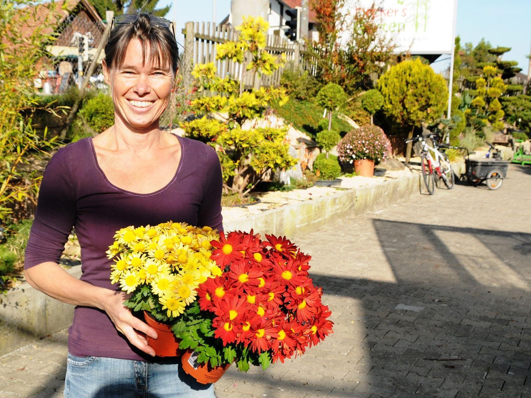 Monika Decker lädt am 27. Oktober zur Neueröffnung von Deckers Garten in Fußach ein.