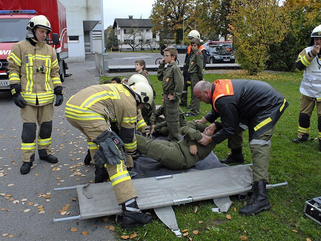 Am Verletztensammelplatz leistete die Feuerwehr Wolfurt unverzüglich Erste Hilfe.