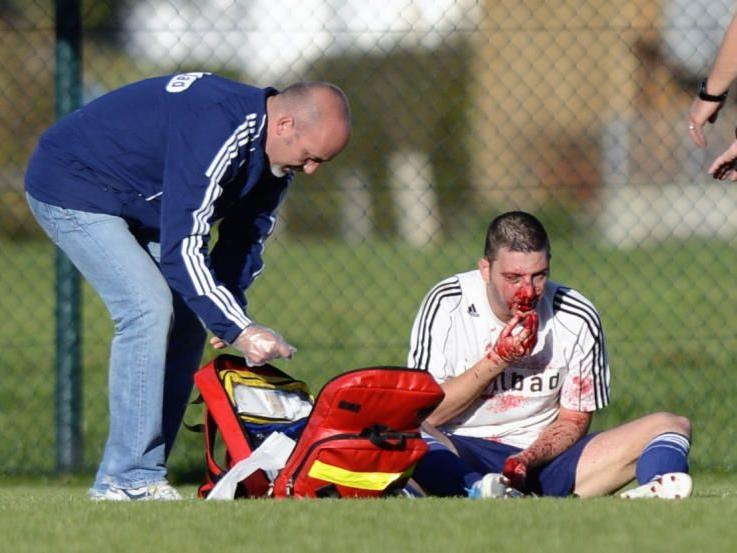 FC Götzis Torjäger Nenad Krstic erlitt schwerste Kopfverletzungen aber wieder auf dem Weg der Besserung.