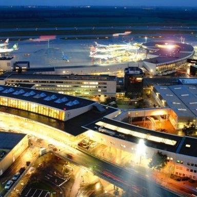 """Trotz des nahenden Hurrikans """"Sandy"""" wurden die Flüge von Wien an die Ostküste der USA noch nicht gestrichen."""