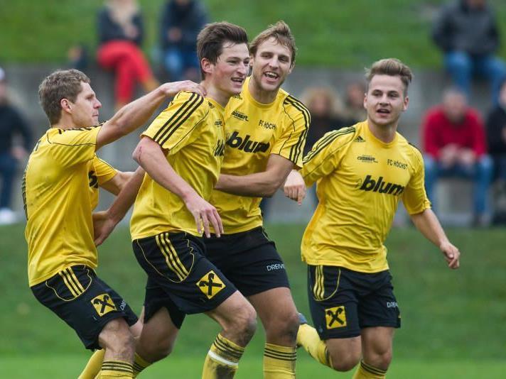 Tabellenführer FC Höchst will das Heimspiel gegen Nenzing gewinnen und Platz eins verteidigen.