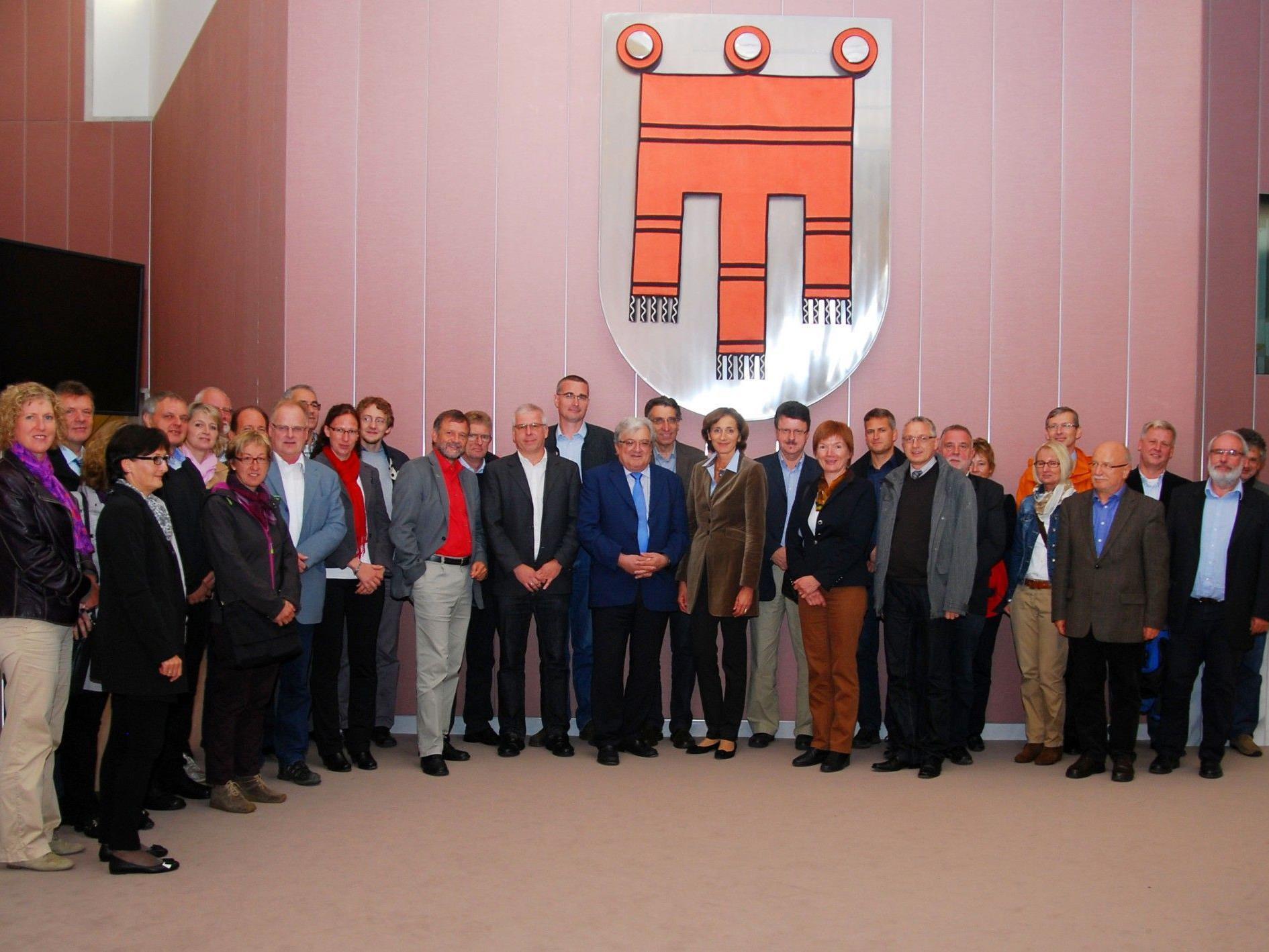 AbteilungsleiterInnen des Landratsamtes Ravensburg besichten den Vorarlberger Landtag.