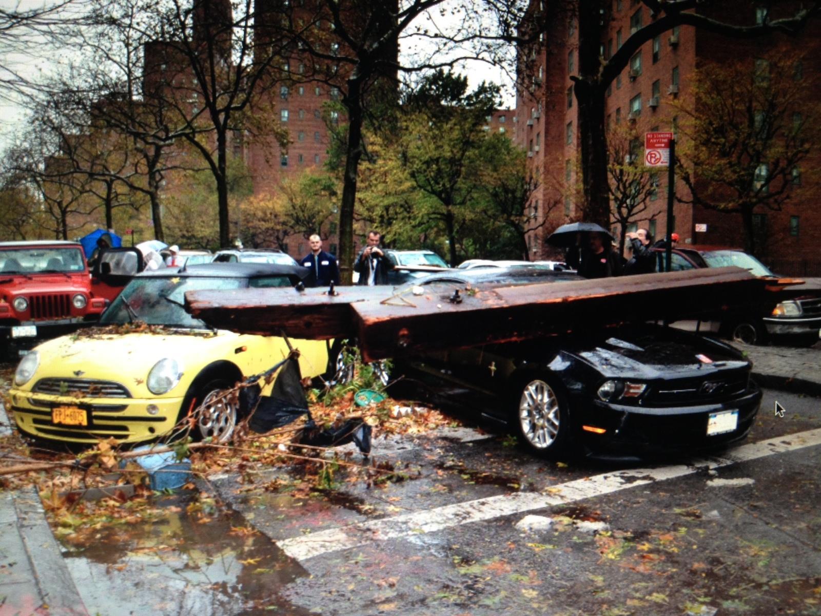 Bilder der Verwüstung erreichen uns aus New York.