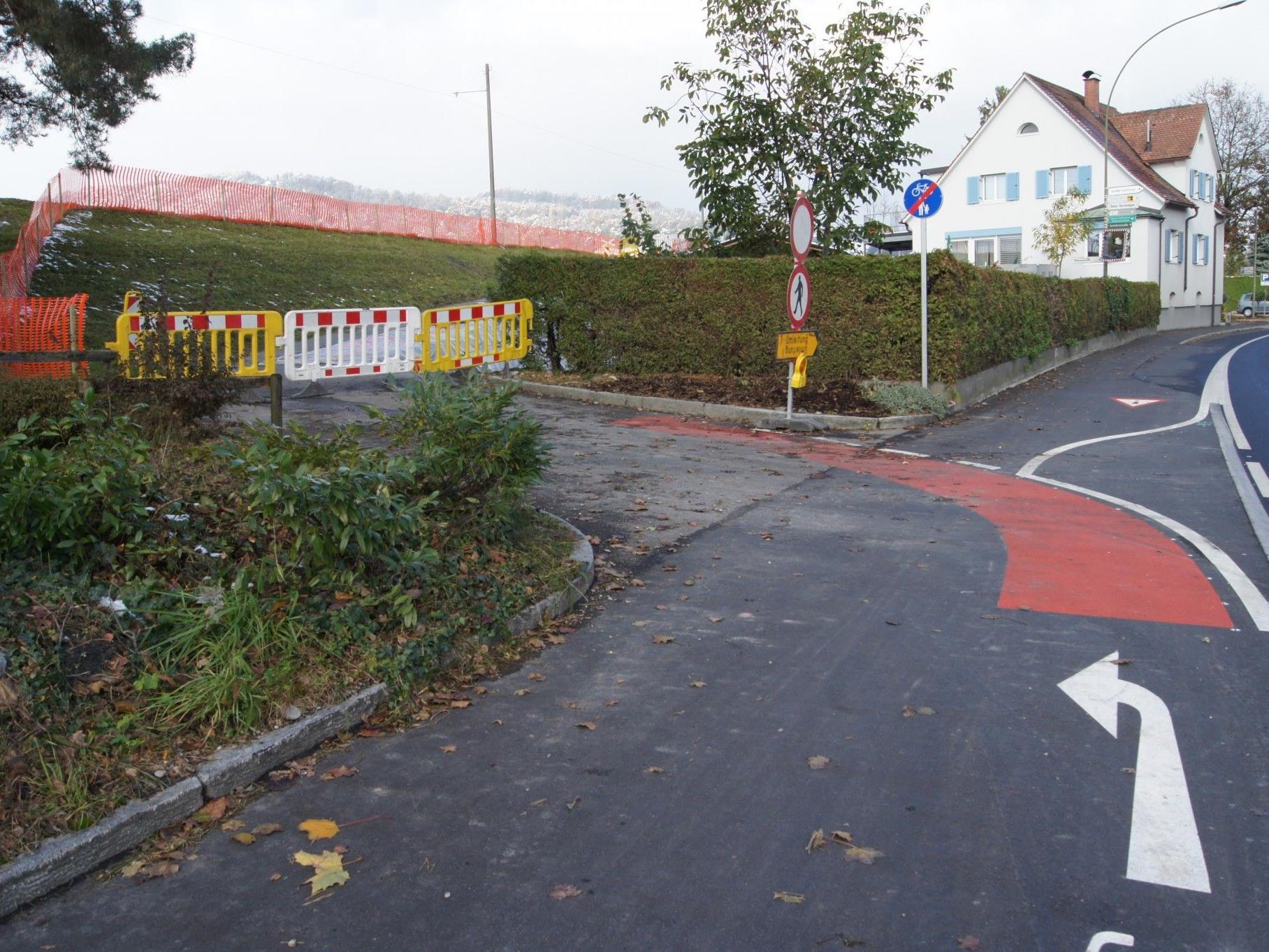 Seit Anfang Oktober laufen die Bauarbeiten für den Lückenschluss des Radweges an der Reichsstraße.