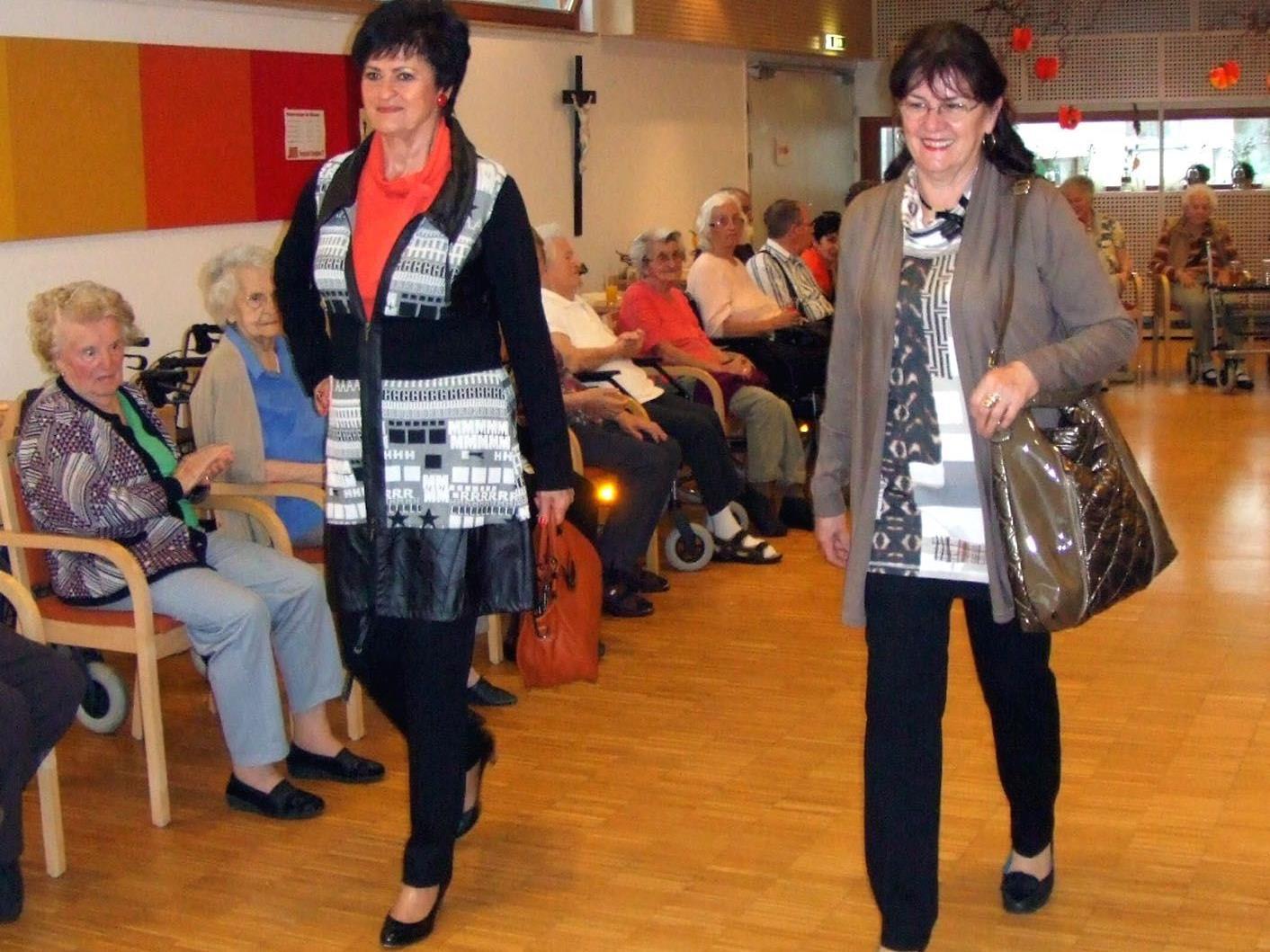 Professionelle Seniorenmodels präsentierten die neuesten Trends der Dornbirner Firma Marchetti.