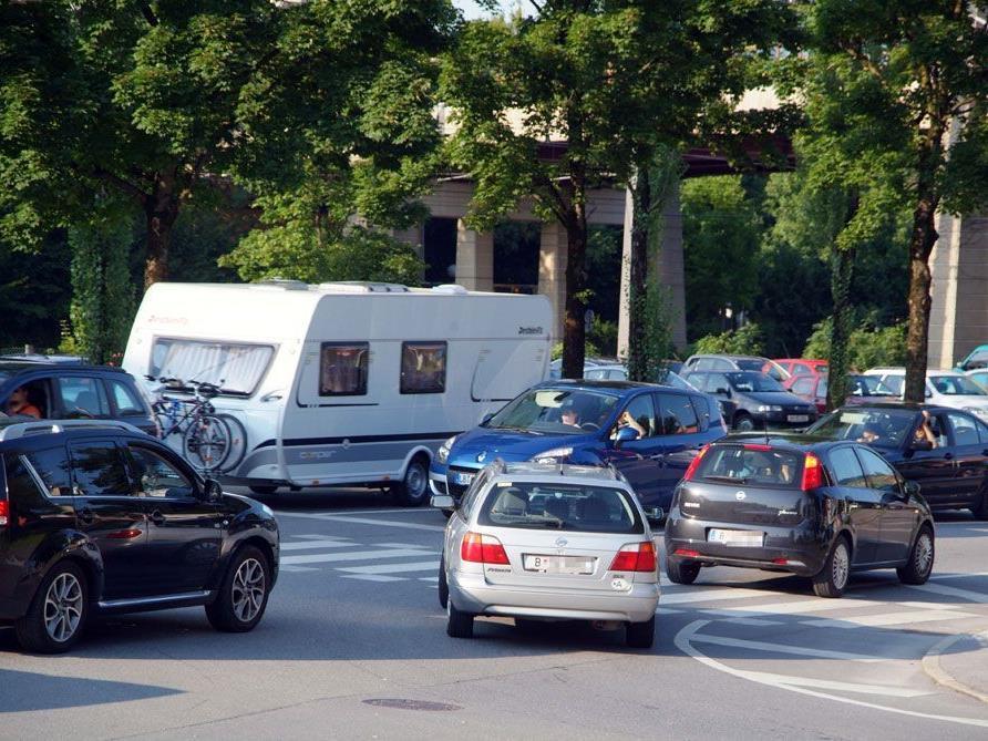 Bei Stau den Kreuzungsbereich zu blockieren, kann ziemlich teuer werden.