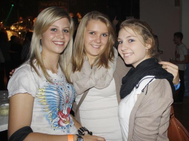 Viele Jugendliche und Erwachsene waren in den Gemeindesaal Doren gekommen um Jigger Skin zu hören.