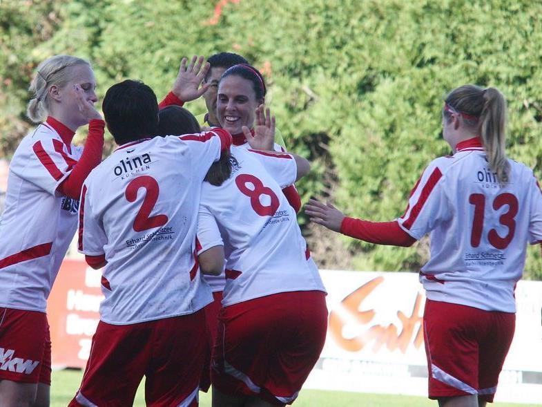 Die Damenmannschaft des FC RW Rankweil hatte allen Grund zum Jubeln.