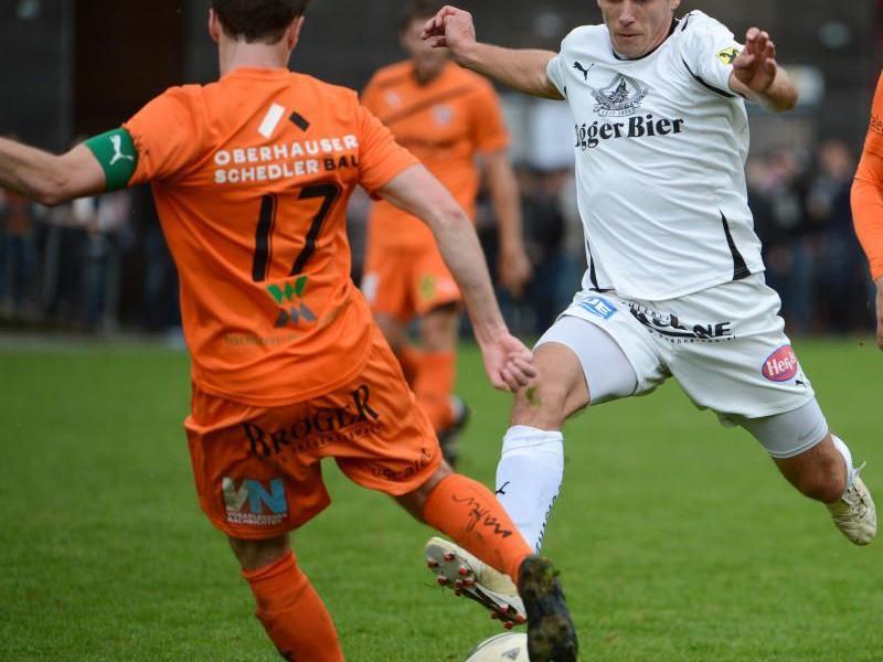 FC Bizau gewinnt das Wälder-Nachbarschaftsduell in Egg vor 1500 Fans mit 2:1 und bleibt Erster.
