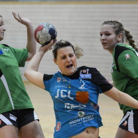 Nadja und Schwester Sandra Ströhle zählen zu den torgefährlichsten Handballerinnen von HC JCL Feldkirch.