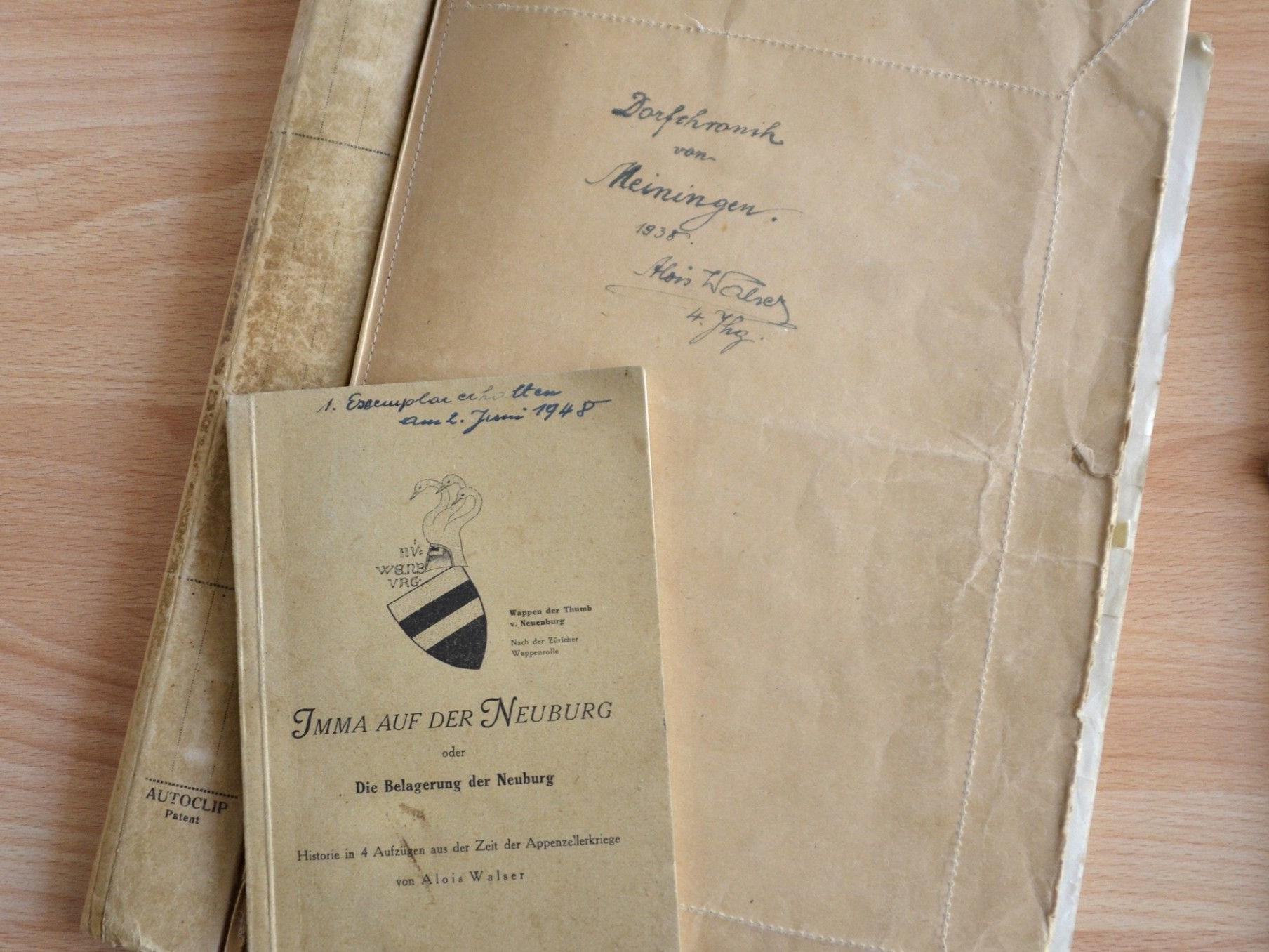 Ausstellung von Arbeiten des Alois Walser im Rahmen der Lesung.