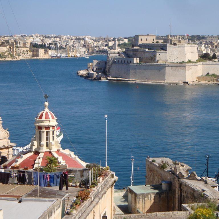 Malta: Durchschnittstemperatur 21 Grad - 6,5 Sonnenstunden.