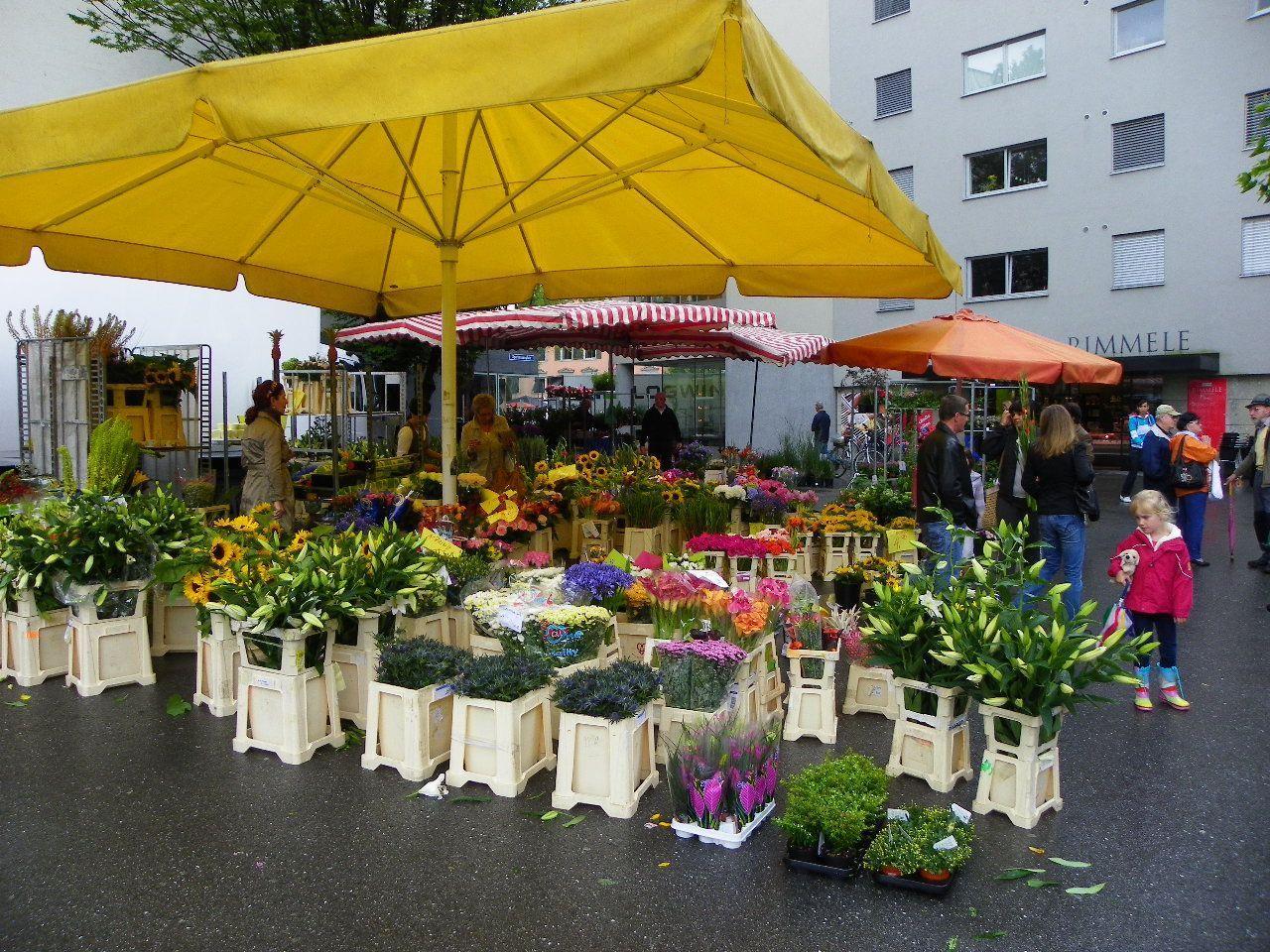 Blumenmarkt macht Platz für den Eislaufplatz
