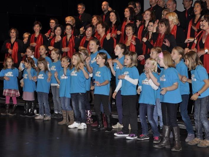 """Die Singgemeinschaft Hard mit dem Kinderchor """"Ohrwürmle"""""""