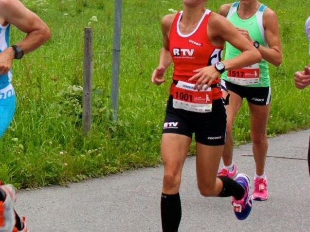 Die Andelsbucherin Sandra Urach wurde beim Halbmarathon in Italien sensationell Zweite.