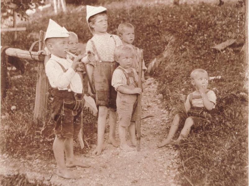 Kehlegg-Kinder, 1902
