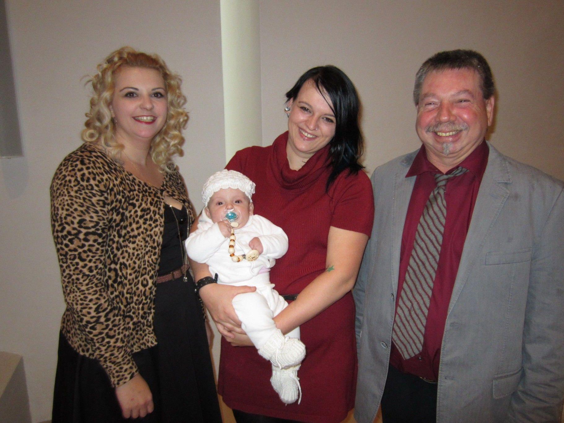 Amy Yvonne Grafenauer wurde getauft.