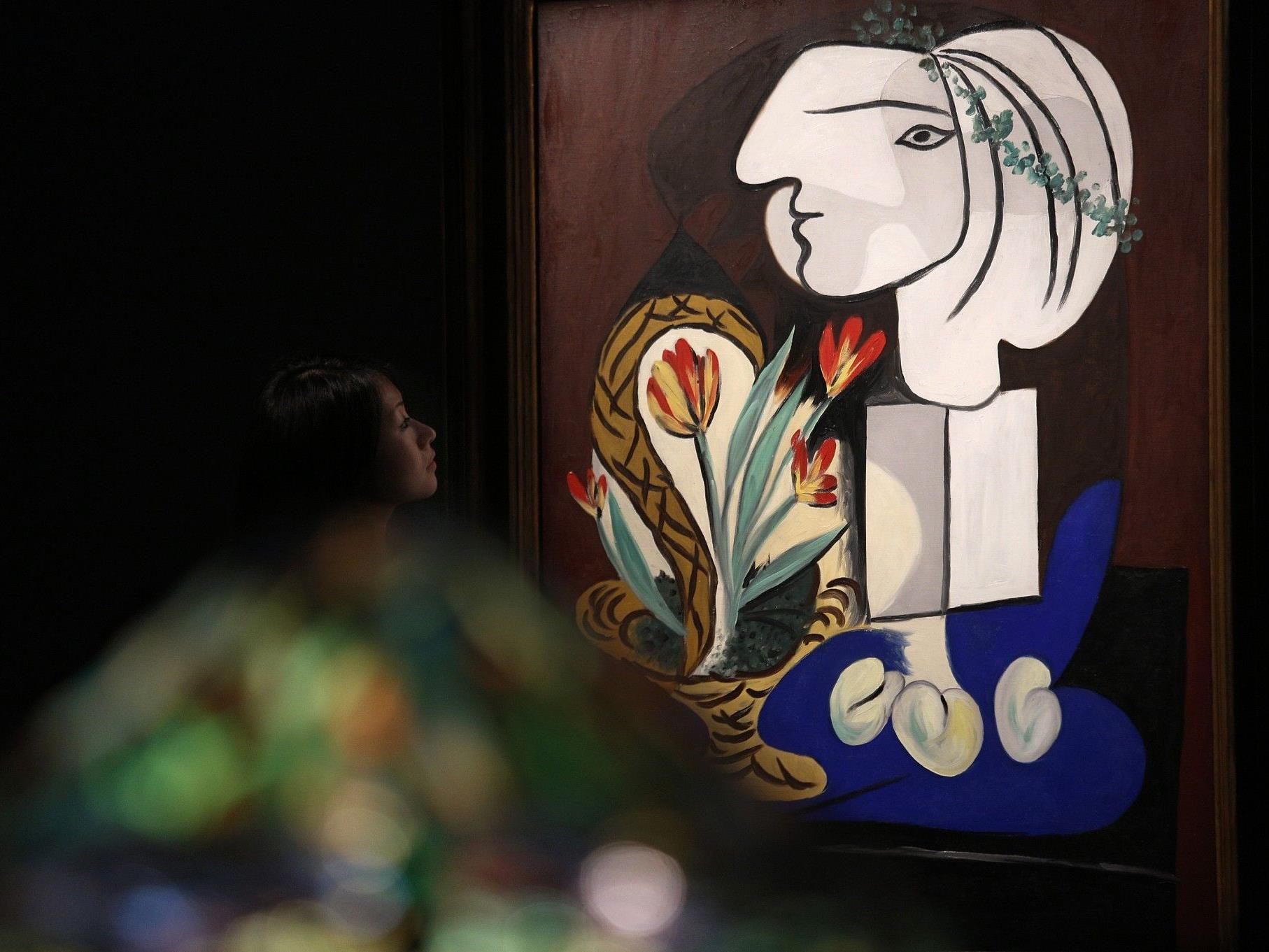 Picassos Bild zeigt Geliebte Marie-Therese Walter mit Tulpen.