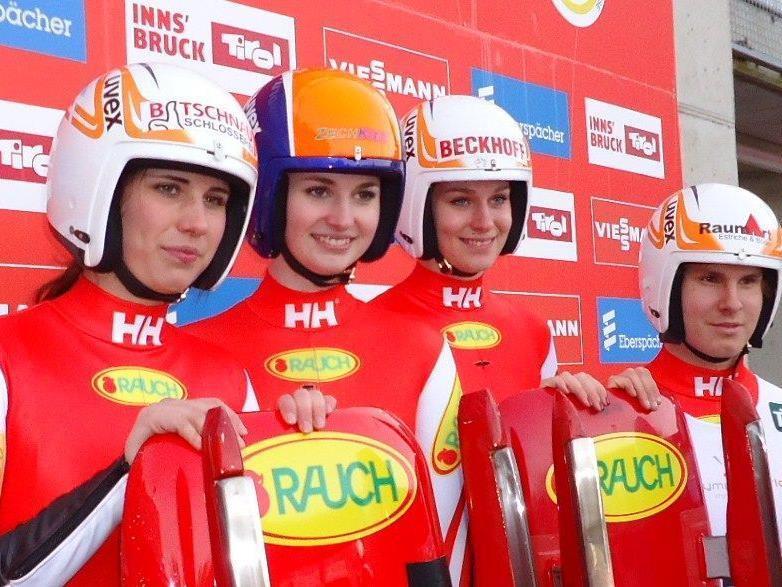 Melina, Janika und Katrin Heinzelmaier sowie Thomas Steu beim Weltcup in Igls.