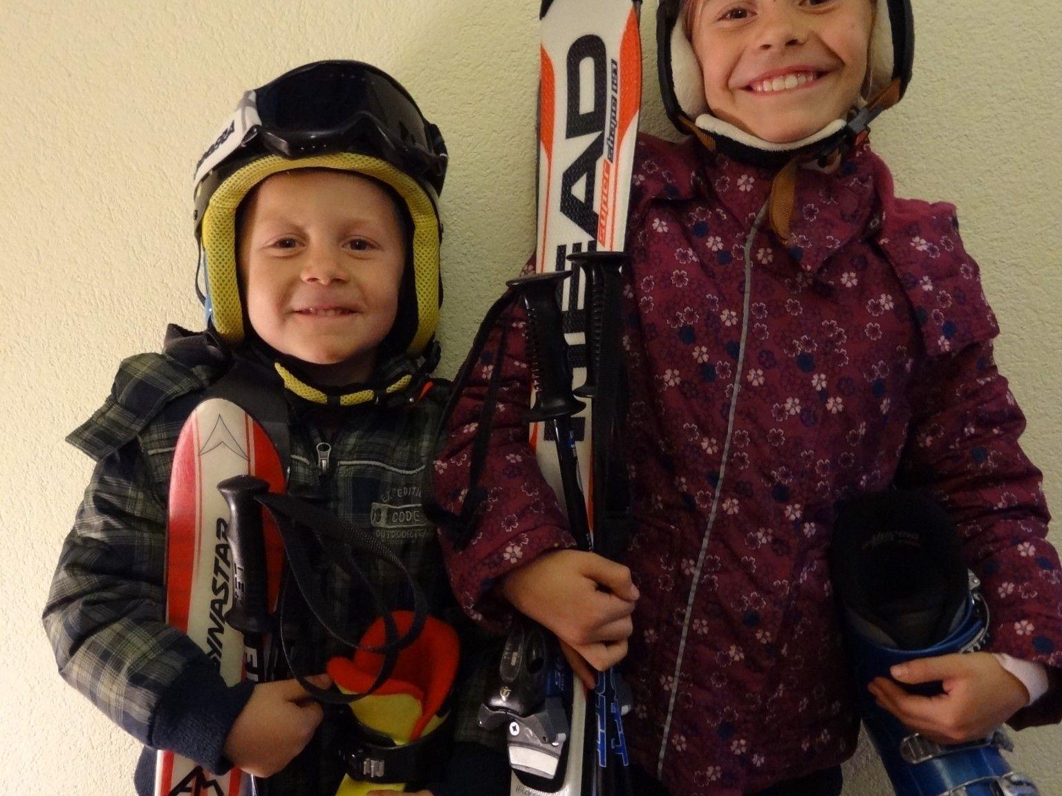 Wintersportartikel für Klein und Groß in der Volksschule Kirchdorf