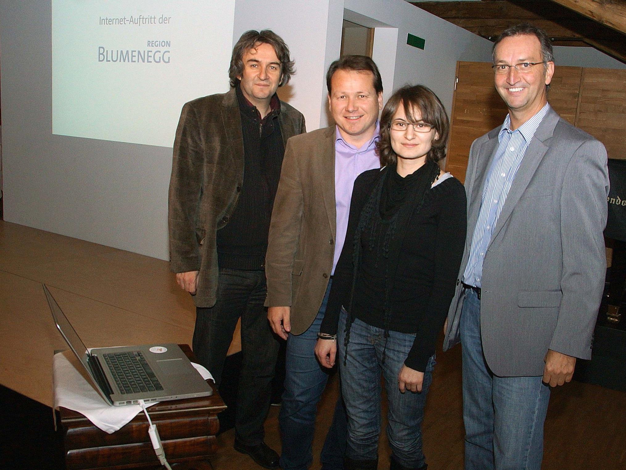 Karin Feuerstein präsentierte  Blumeneggs Homepages und Veranstaltungskalender.