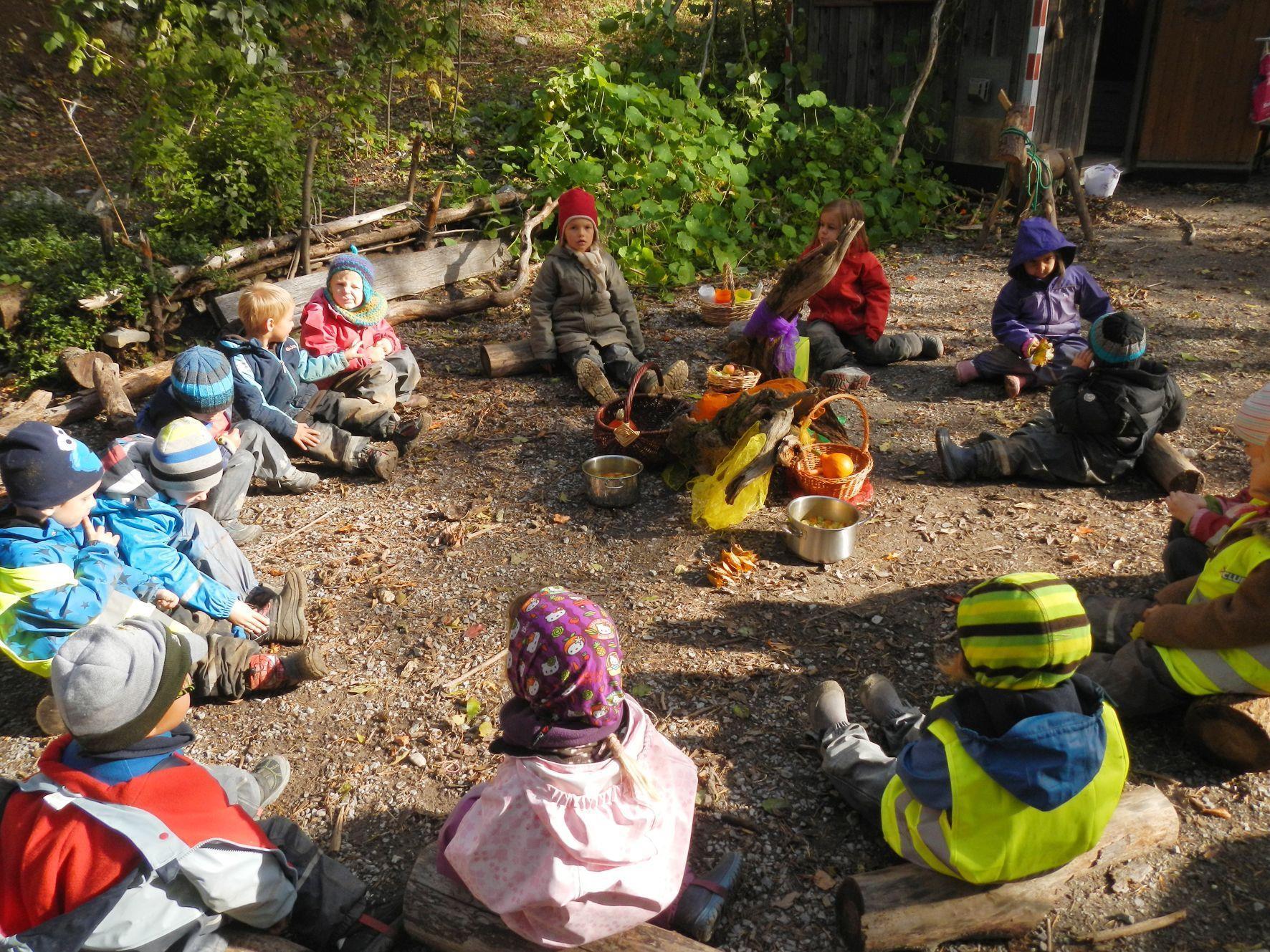 Die Zubereitung der Gemüsesuppe machte den Kindern sehr viel Spaß.