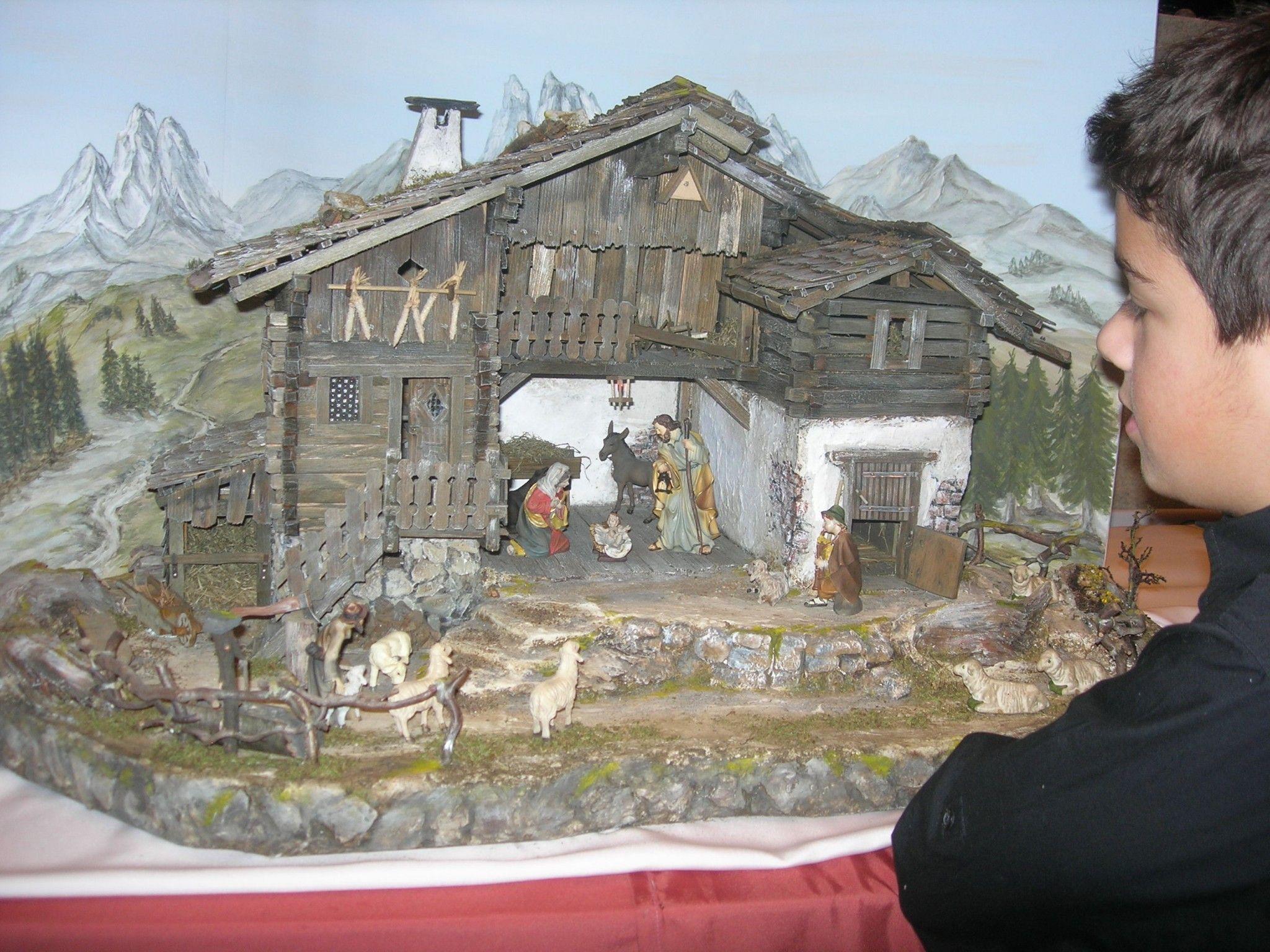 Krippenbauer präsentieren ihre Kunstwerke