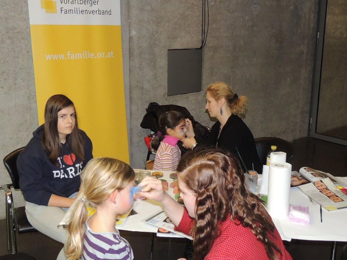 Kinderschminken mit dem Vorarlberger Familienverband