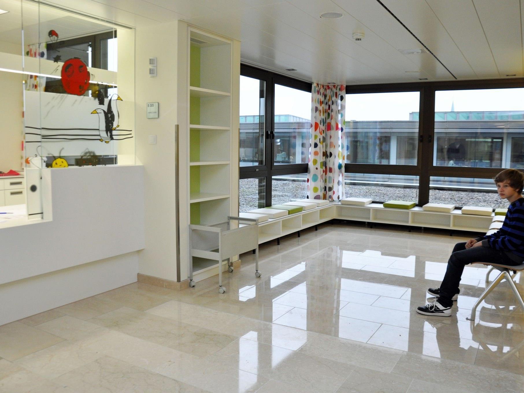 Die neue Raumstruktur optimiert das Angebot der Kinder- und Jugendabteilung.