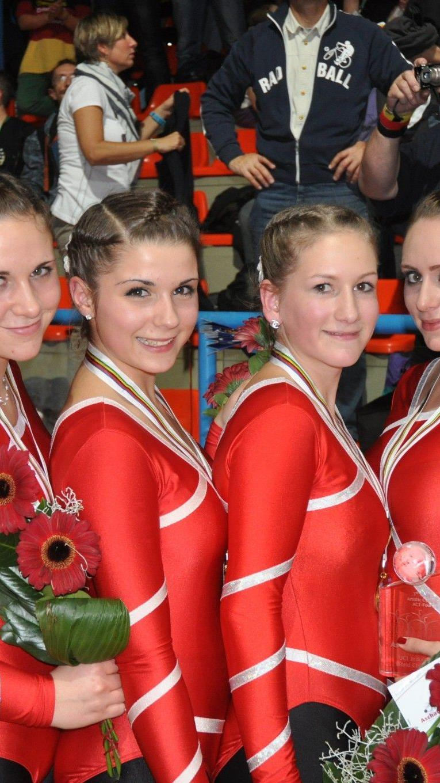 Das erfolgreiche  Bronze Team mit ihren Trainern.