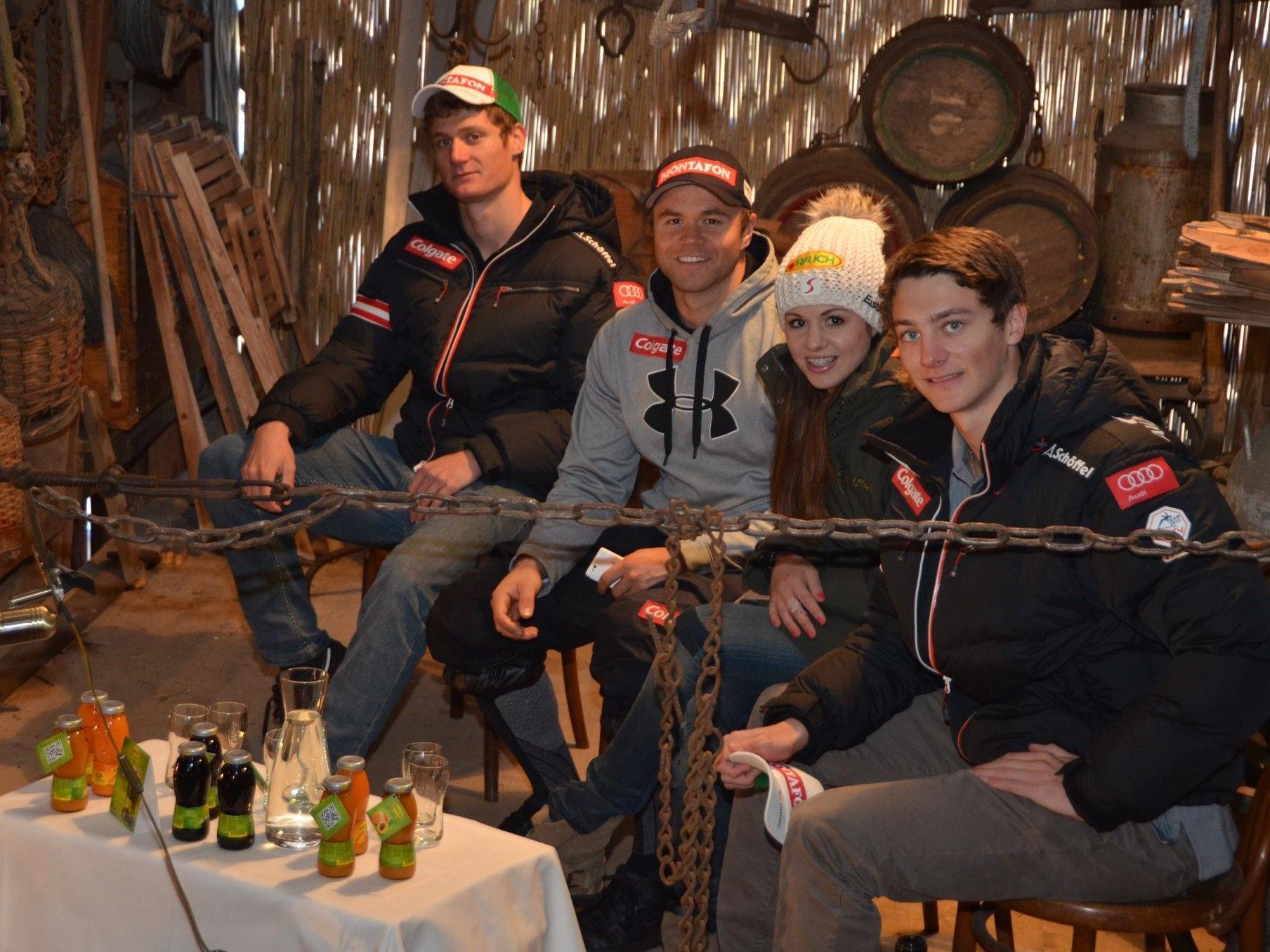Das Ländle-Snowboard-Quartett freut sich auf das Heimrennen Anfang Dezember im Montafon.