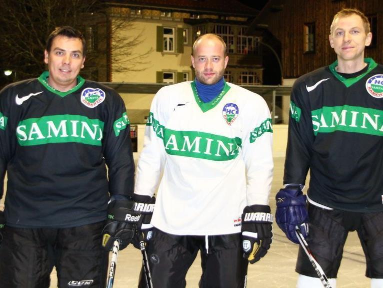Spielertrainer Michal Kopas (l.), Philipp Amann und Legionär Tomas Kucharcik freut sich auf die Saison.