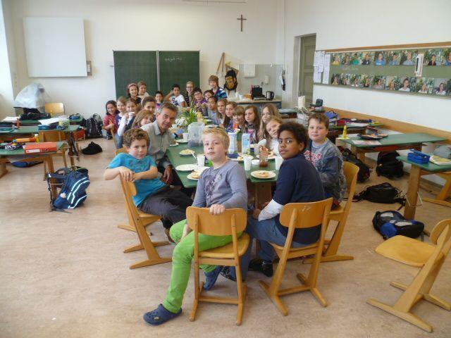 English breakfast in der 1a Klasse der VMS Bregenz-Stadt