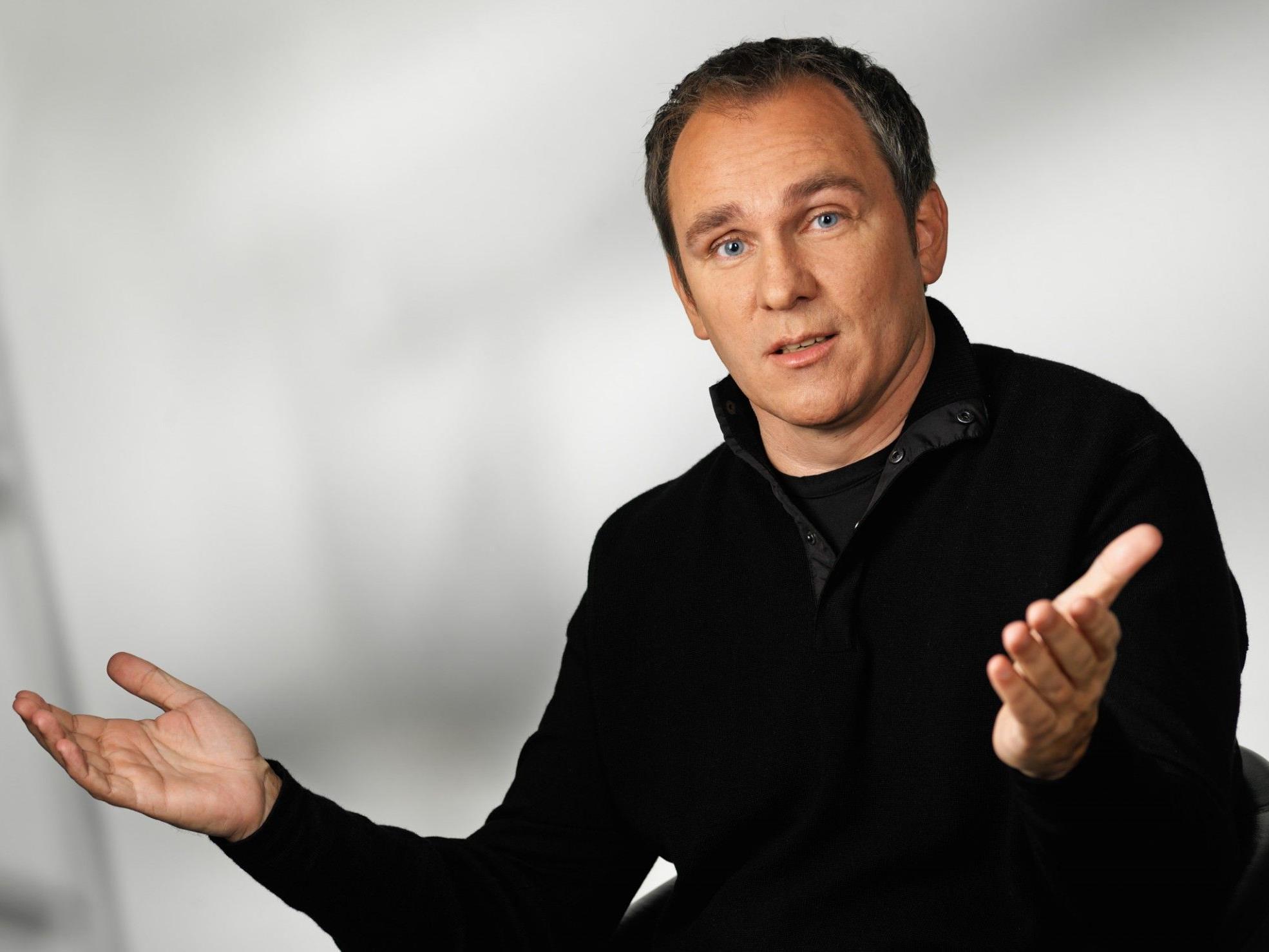 """Coach, Kabarettist und Buchautor Eric Adler moderiert das UBIT-Forum 2012 zu den """"Faktoren gelingender Beratung""""."""