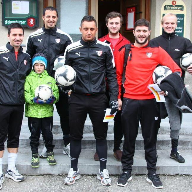 Simon Installationen FC Mäder gewinnt die FUGO-Premiere und einen 1000 Euro-Siegerscheck.