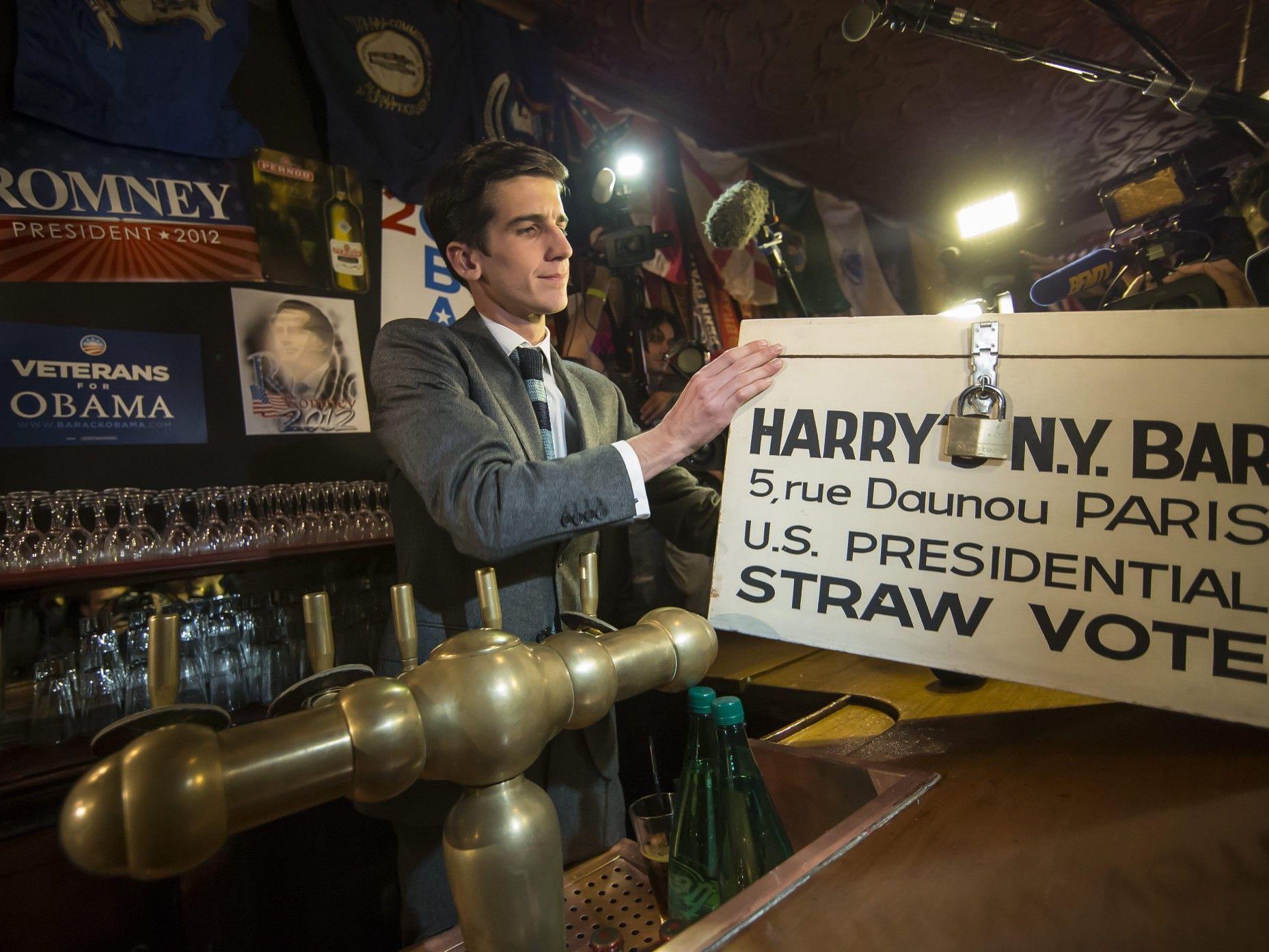 """""""Harry's Bar"""" in Paris ist Treffpunkt für zahlreiche Amerikaner am Wahltag."""