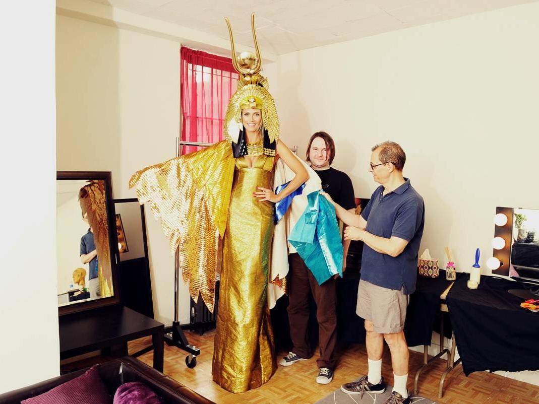 Dieses Bild hat Heidi am 24.10. von ihrem Kostüm veröffentlicht. Ob sie es am 1.12. tragen wird?